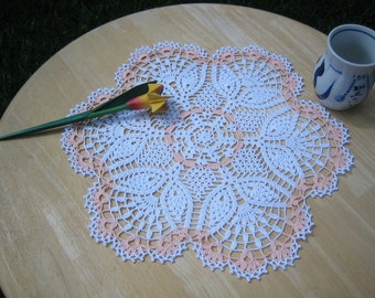 Hand crocheted, peach/white doily, Turkishteam