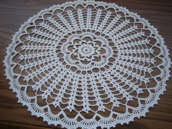 White round doily,hand crocheted, New