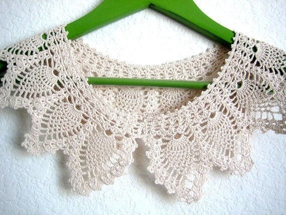RESERVED Ecru Lace Collar necklace,Hand crocheted, pineapple designed thread collar, accessory,  new, made by Demet