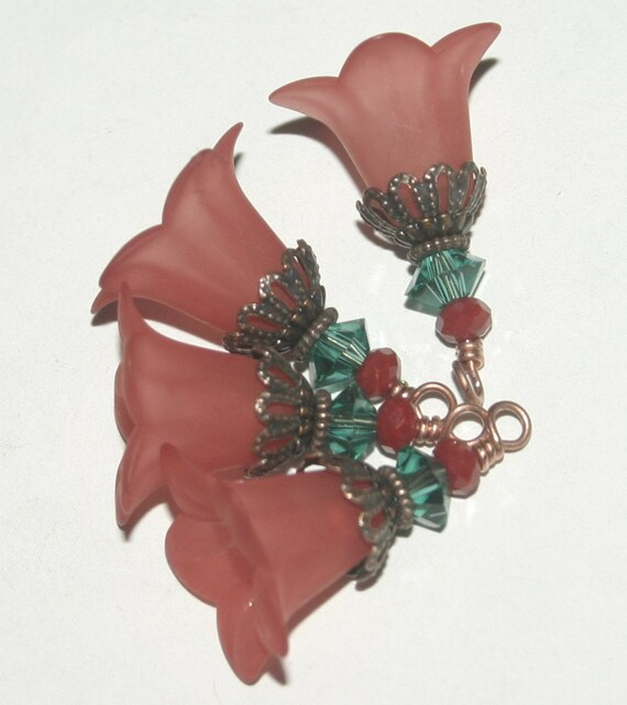 Flower Charms with Faceted Glass, Vintage Style, Hand Dyed Lucite, Wire Wrapped, 6 Pieces, Earring Supplies