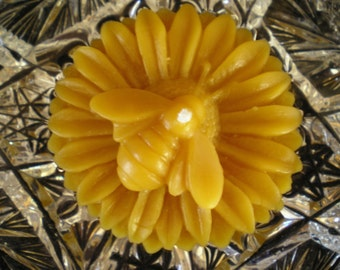 Pure Beeswax Sunflower with Bee Floater Candle White or Natural