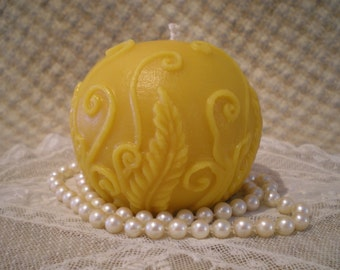 Pure Beeswax Rustic Embossed Fern Ball Candle Natural Color