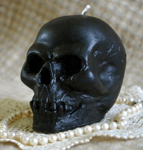 Beeswax Candle Smooth Skull Shape in Black