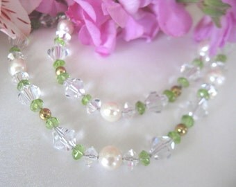 SALE Cultured Pearl and Peridot Gemstone Necklace,Classy Sea Pearl Casual Stone and Crystal Layering Necklace,Pearl Fashion Necklace,9122