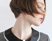 Bubi Kragen in schwarz mit Knopf Black collar whit covered knob and lace detail