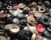 SALE Very Vintage Italian Buttons Usually 6 dollars