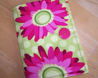 Mini List Taker, Organizer, Coupon Holder, Daisy Lime Flora Fauna by Patty Young, Notepad And Pen/Pencil Included