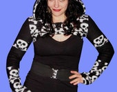 Gothic Punk SKULL and CROSSBONES Fleece Hoodie Shrug Size Medium