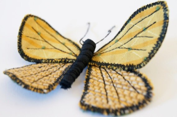 fabric lycaenidae butterfly brooch / ornament yellow gold