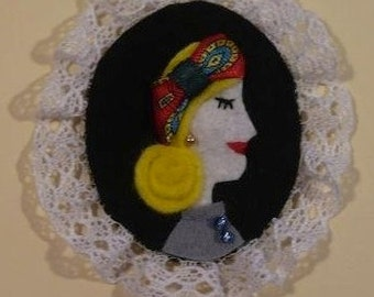 Lady Shawl Felt Brooch