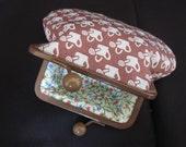 clasp purse for a gardener