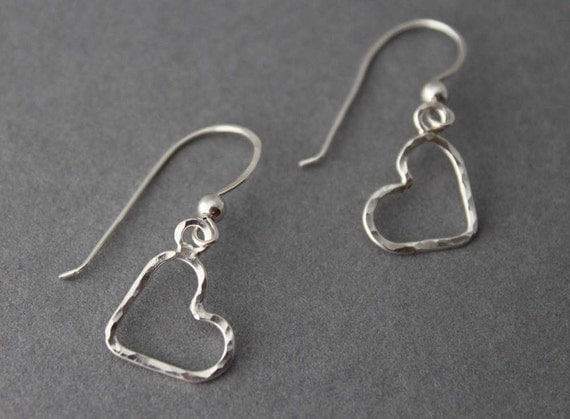 Heart earrings, sterling silver Little dangles, Hammered Silver, Valentines day
