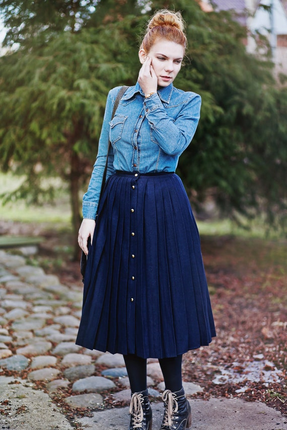Vintage Wool Skirt  / Navy Blue Accordion Pleats / CACHAREL French Vintage
