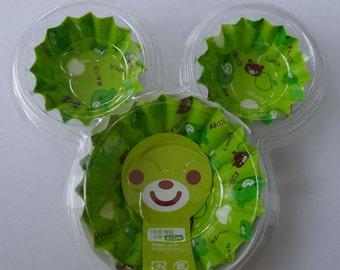 Cute Green Japanese Bear Face And Apple Round Polyethylene Lined Paper Cupcake Cups / Bento Liners