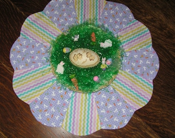 Easter Table Topper Reverses to Pale Green Floral