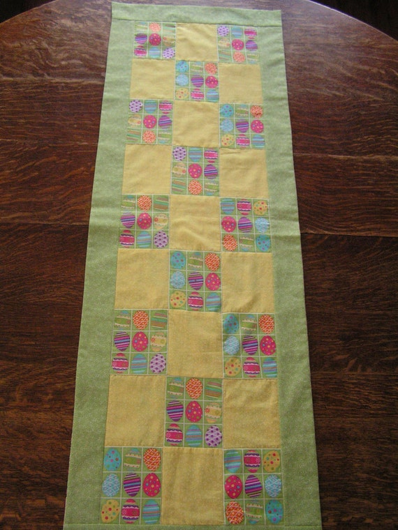 Easter Table Runner Reversies to Spring and Summer print