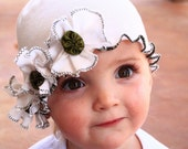 Vintage Baby GIRLS snugars HAT beanie cap in Sweet Cream