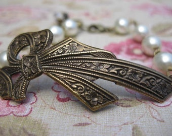 Sophie - Romantic Ivory Pearl and Antiqued Brass Bow Bracelet