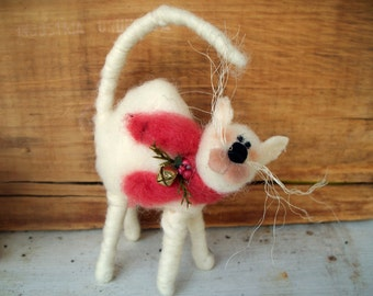 Scaredy Cat Wool Wrapped/Needle Felted Ornament