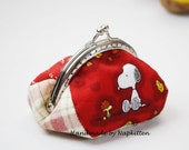 Coin purse, coin pouch, change pouch, frame coin purse, change purse, metal frame purse, handmade, red, snoopy, woodstock by Napkitten