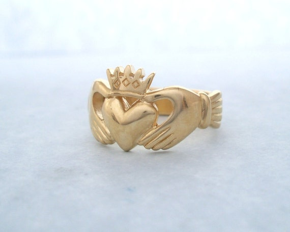 15K Yellow Gold Celtic Claddagh Ring