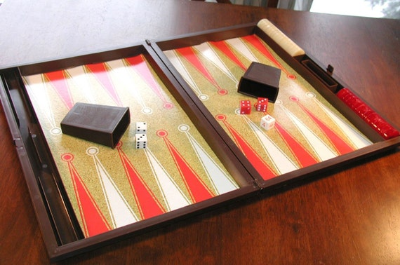 New LOWER PRICE - - Vintage 1978 Backgammon Game by Milton Bradley / Lowe IN Box with Manual