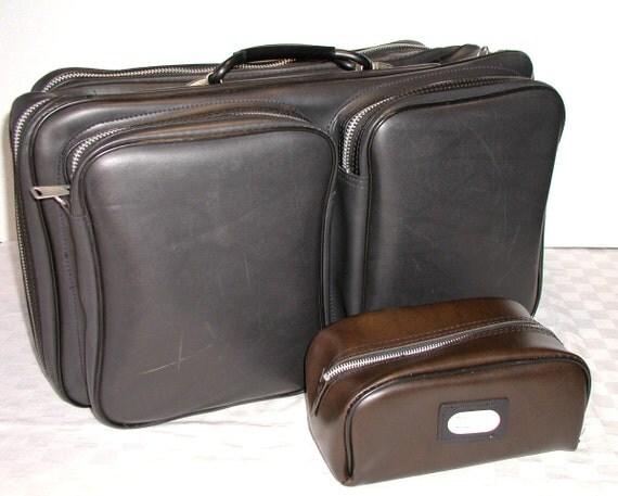 Vintage Black Weekender Suitcase & Toiletry Travel Bag