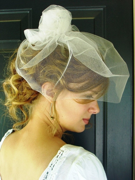 Side-Swirl Birdcage Veil in TULLE