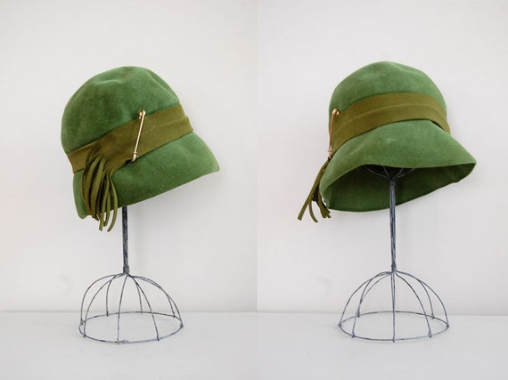 1960s cloche hat / Wooded Moss felted wool