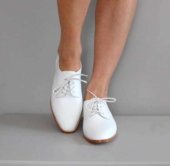white leather oxfords / 80s oxfords / white oxfords