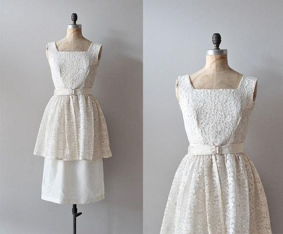 1950s dress / 50s lace dress / wedding / Lace Fondant dress