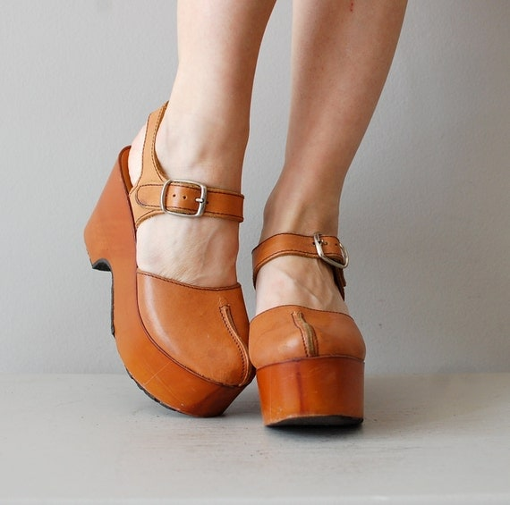 r e s e r v e d...platform shoes / 1970s wooden platforms / Platform Mary Janes
