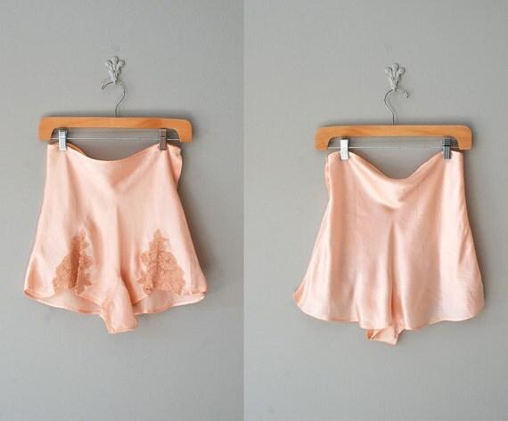 30s tap pants / 1930s lingerie / lace tap pants