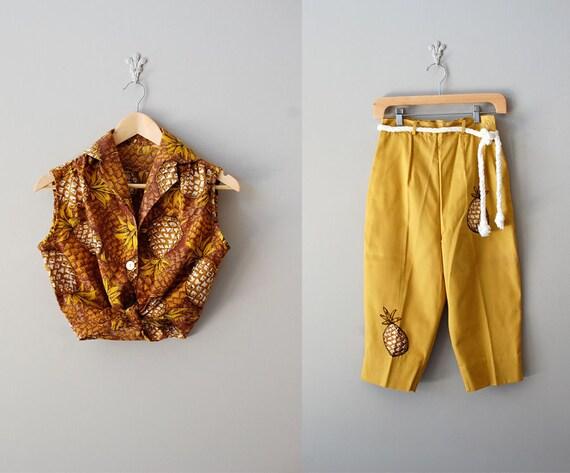 1950s hawaiian blouse and capri / 50s top & pants / Tiki Picnic set