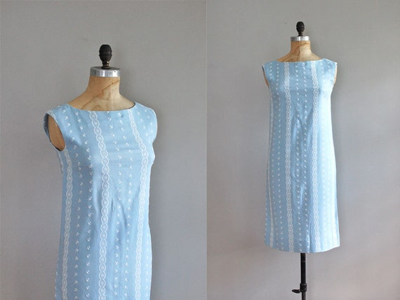 S A L E 1960s dress / 60s shift dress / Embroidered Rows dress