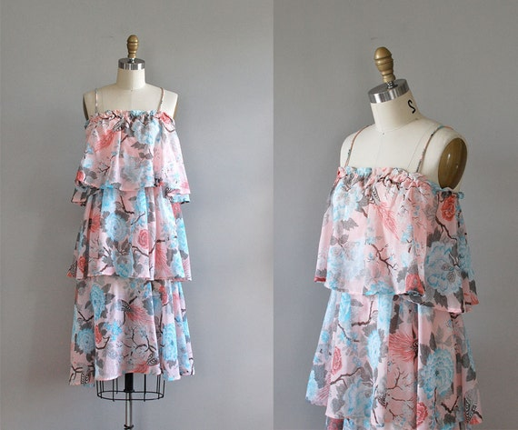 1970s dress / 70s floral sundress / tiered floral /  Laguna dress