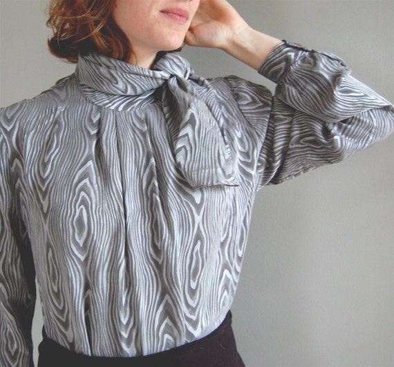 vintage GRAY Silk FAUX BOIS Blouse