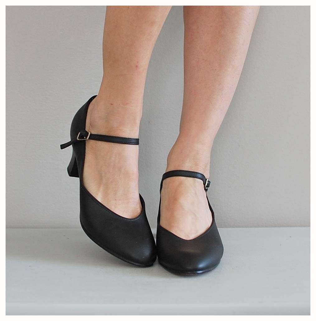 janes black shoes classic heels