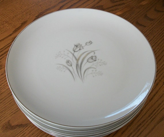 Vintage China Dinner Plates Eight