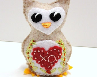 "Sale- felt owl - wee owlet with red ""xo"" heart and flowering vines- Ready to ship"