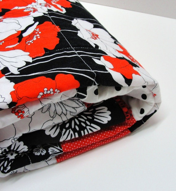 """Poppy baby quilt- Clearance Sale- """"Dream Garden"""", black, red, white, contemporary, Ready to ship"""