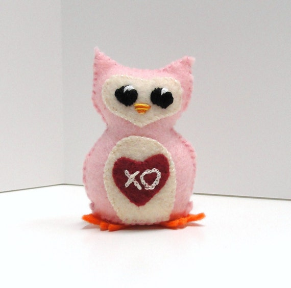 "felt owl- stuffed wee feltie owlet  for Valentine's Day in pink with ""XO"" heart"