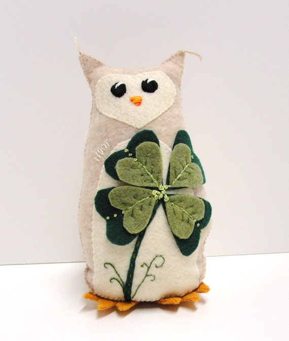 felt owl- 8 inch HOOT owl in heathered oatmeal withlarge shamrock for St. Patrick's Day