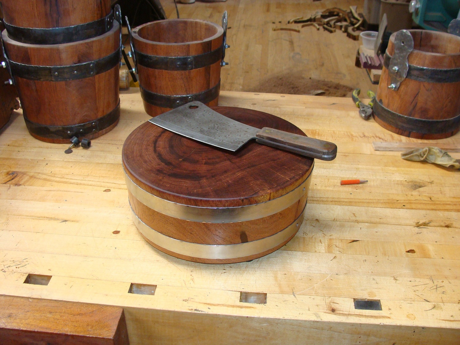 mesquite wood cutting board round with forged stainless hoop. Black Bedroom Furniture Sets. Home Design Ideas
