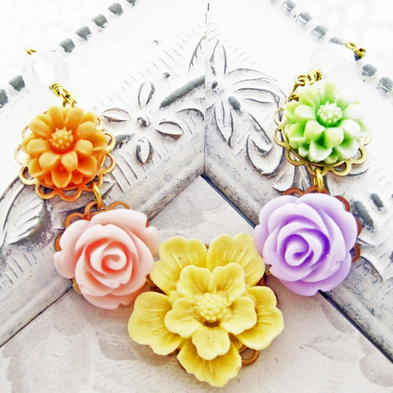 Pastel Flower Necklace, Multiple Flowers, Bouquet Collection, Handmade