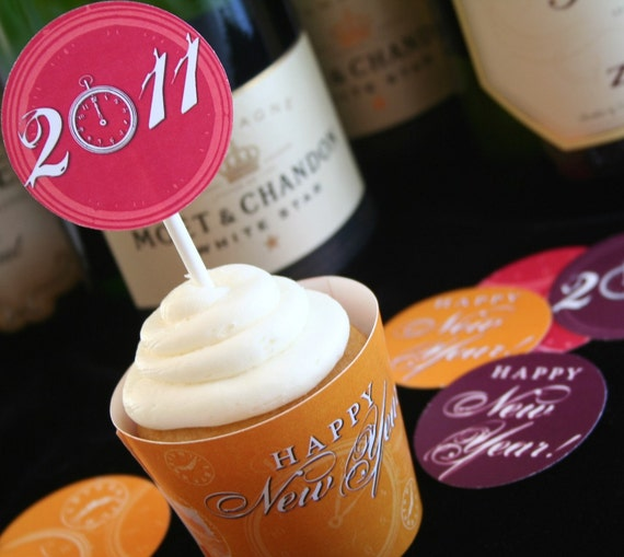 New Year's Eve PARTY ROUNDS and CUPCAKE Wrappers - printable download pdf