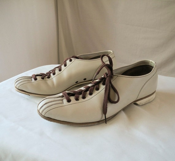 Vintage mens bowling shoes size 11 light creamy beige and brown