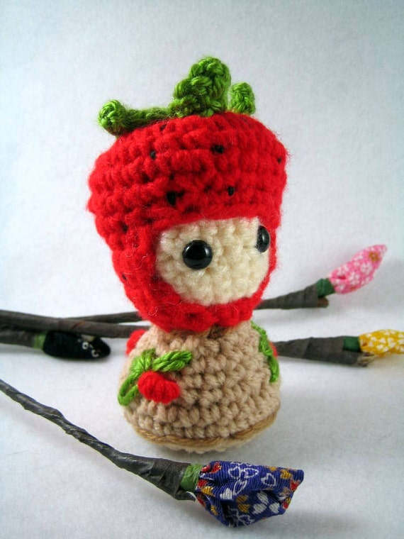 Ichigo amigurumi kokeshi doll by mutts on Etsy