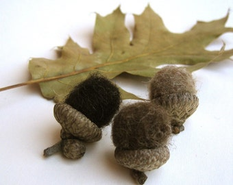 wool acorns set of 12 rustic brown / natural eco friendly autumn fall woodland decor