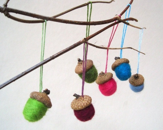Reserved for Kelli - Acorns Ornaments Christmas XL felted wool rainbow set of 6 / natural home winter decorations